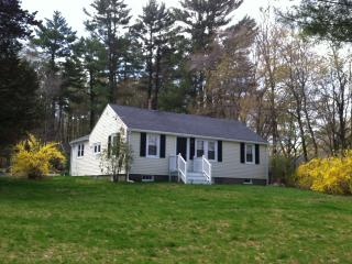 Lovely ranch on spacious property 5 mins beach!, Scituate