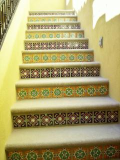 decorative steps to 2nd floor