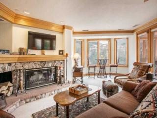Beaver Creek Lodge Condo, Steps to Lifts, Shopping and Dining, Year Round Pool & Hot Tub!