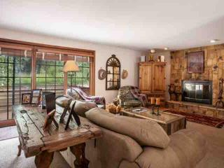 East Vail Home, Close Bus Stop, Easy Access to Vail, Private Hot Tub, Great for