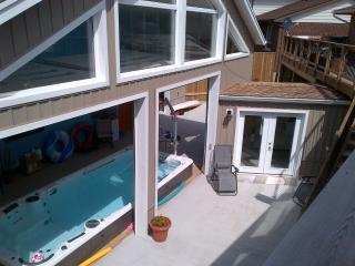 Hydro Pool with 2 Bedroom Apartment, Kitchener