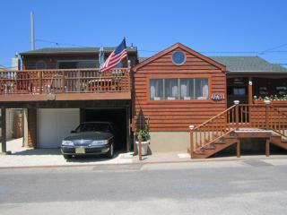 Authentic Beach House in Desirable Silver Beach~3rd from Beach~3 Bdrms~Must See!
