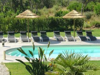 Vacances en Corse Résidence design avec Piscine
