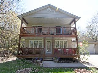Cedar Trail Lodge cottage (#1028), Wiarton