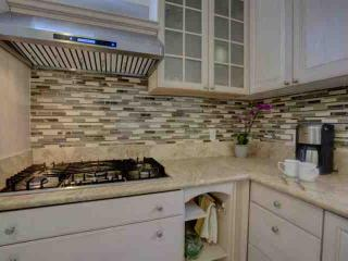 Create gourmet meals in the spectacular kitchen with gas burners or just boil water - it's your vacation, you decide.