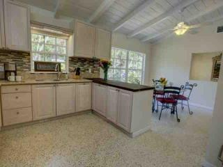 Private, updated, clean and ready for your relaxing vacation on Siesta Key