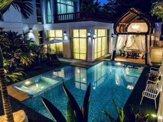 Nirvana Platinum BBQ Villa 7 Beds + Kids, Jomtien Beach
