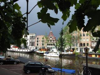 Apartment old centre Amsterdam to rent Dec14-2-1 till jan1 or June 1 till 10-/19