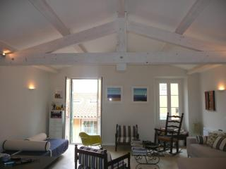 Luxurious newly-refurbished loft in the Old Town, Villefranche-sur-Mer