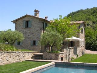 Beautiful farmhouse to rent in idilic italy, Montone