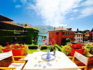 SISSI 1BR-terrace lake view garden by KlabHouse, Bellagio