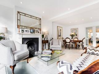 Stunning 4 bed 4 Bath House in Hampstead, London