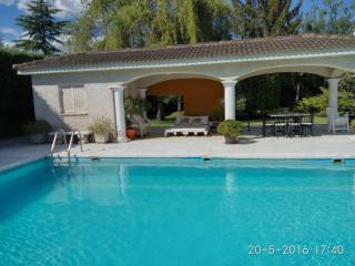 Casa de campo en parcela 5000m.jardin y piscina