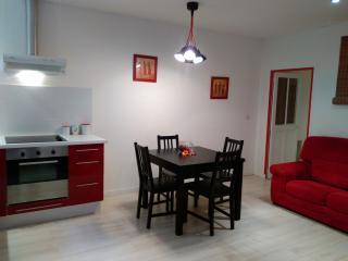 Pézenas centre appartement rénové de 50m², 4 pers., Pezenas