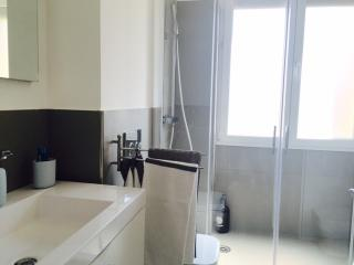 Luxury apartment with terrace, Bologna