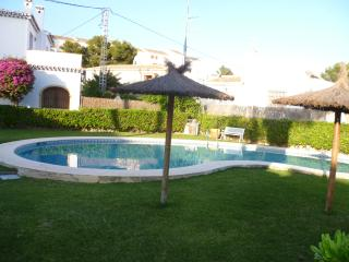 Casa frente al mar, con piscina; cerca del Arenal