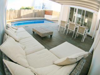 Lounge corner & Pool