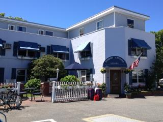 2 Adjoining Guest Rooms w/Private Baths (4 Guests), Vineyard Haven