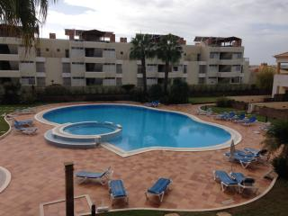 A Modern 2 bed apartment next to Golf Course, Vilamoura