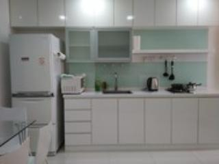 New Orchard 2-bedroom Apt5C at Offer Price, Singapore