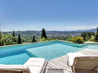 Charming family villa in Grasse, Chateauneuf de Grasse