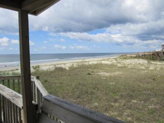"""3 NUTS HUT""- Ocean Front Beach Experience, Ocean Isle Beach"