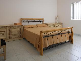 ATTARD: GUEST ROOM WITH DOUBLE BED