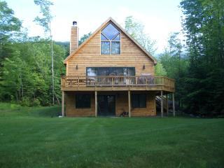 Sunday River Vacation Chalet with fireplace, Bethel