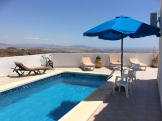 El Pinar villa with pool, panoramic views & WiFi, Bédar
