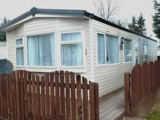 Cosalt  Super caravan to rent, Boat of Garten