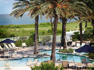 Holy Crab 3 bedroom Top floor condo with Amazing Bay Views, Galveston