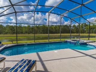 7BR, 4.5 BA, Heated Pool &Spa, 3 miles to Disney