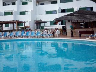 A comfortable and sunny duplex near the ocean!, Costa del Silencio