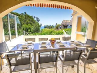 HALF PRICE NOV SALE!!Luxury Villa & Pool Sleeps 14, Benalmádena