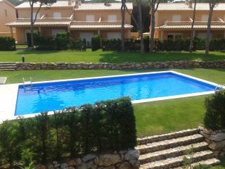 Villa tout confort 8P, piscine communautaire, L'Escala