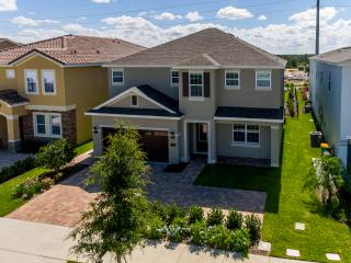 NEW LUXURY 6Beds at THE ENCORE HOME at REUNION, Kissimmee