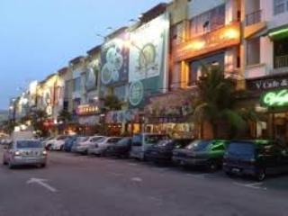 VOCATION HOME NEAR SUTERA MALL SHOPPING (2 UNITS)