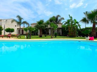 Villa Antica Aia con piscina-Patria di Montalbano