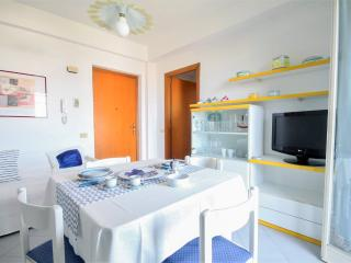 Cozy summer appart with sea view, Giardini-Naxos