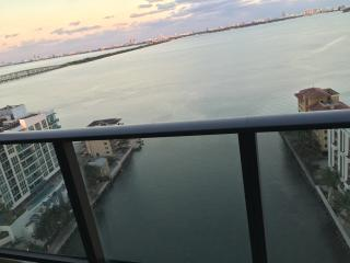 NEW Luxury Waterfront Apartment Miami Edgewater