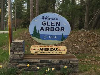 Downtown Arbor, Glen Arbor