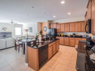 Fun and Fantastic Five Bedroom Pool Home, Davenport