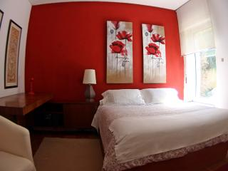 Double room in a Cascais center house