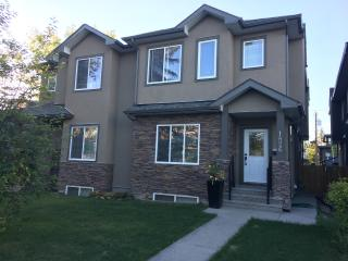Spacious Executive Home, Calgary
