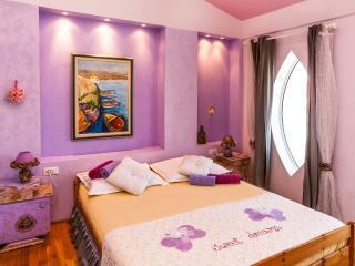 Violet room with Venetian balcony, Dugi Rat