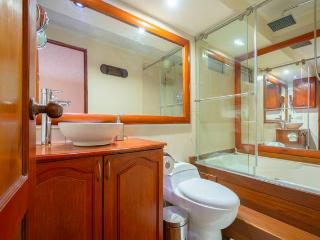 Enjoy a relaxing HOT SHOWER and JACUZZI inside the room with clean towels, free shampoo, conditioner