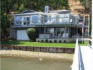 Beautiful Waterfront Home on Clear Lake, Clearlake