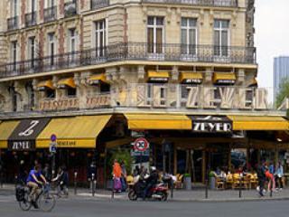Brasserie Zeyer is established since 1913 in Paris. Located few blocks away.