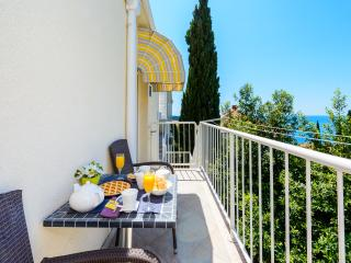 Apartment Bayview - Two Bedroom Triplex Apt with Three Balconies and Shared Pool