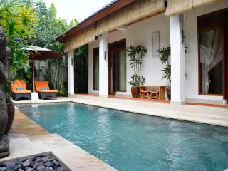 Villa Santai - a private retreat in Penestanan., Ubud